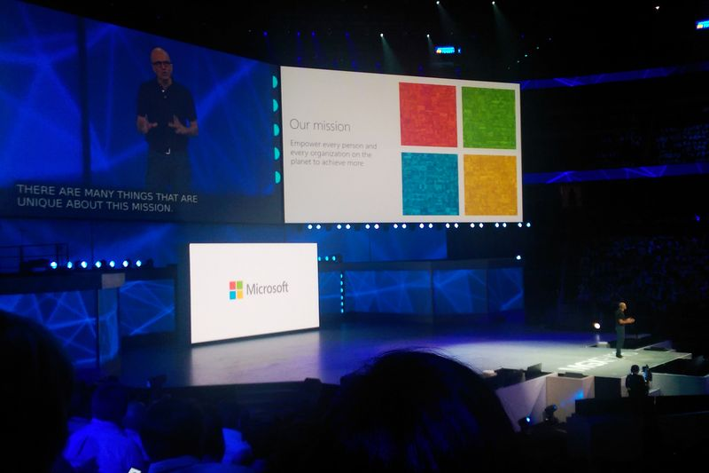 20150722_Microsoft_MGX_WP_20150722_011_crop